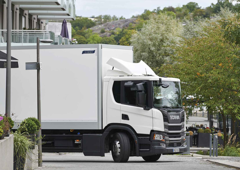 SCANIA L-SERIES LOW-ENTRY CAB