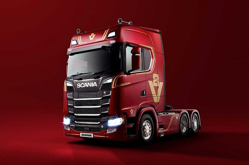 Scania V8 - Scania-celebrates-V8's-golden-anniversary